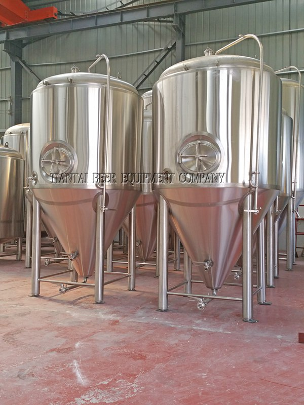 <b>70BBL Commercial Beer Fermenters</b>
