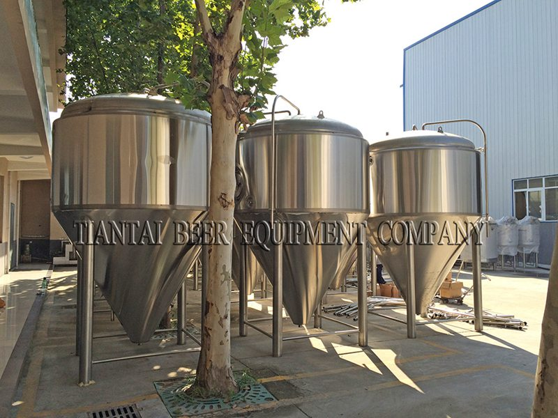 <b>50BBL Commercial Beer Fermenters</b>