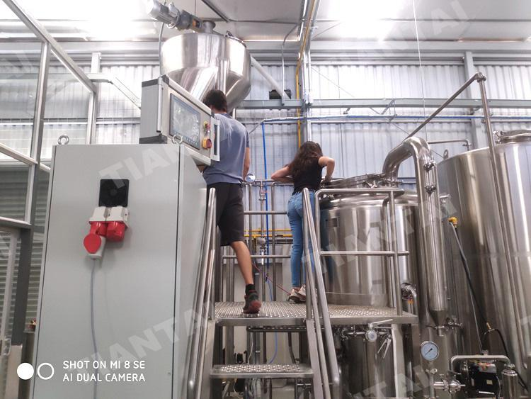 <b>Congratulations 10bbl brewery opened in Costa Rica</b>