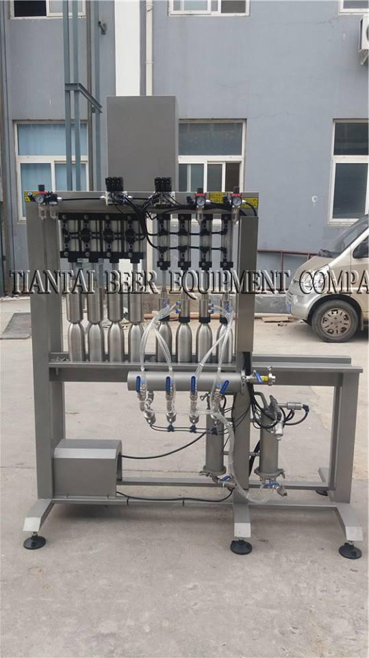 <b>4 head automatic beer bottling machine with capper</b>