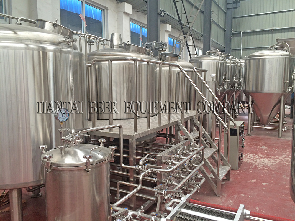 <b>20HL 3-vessels Brewhouse</b>