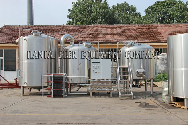 <b>10,000L Modern Brewery Equipment</b>