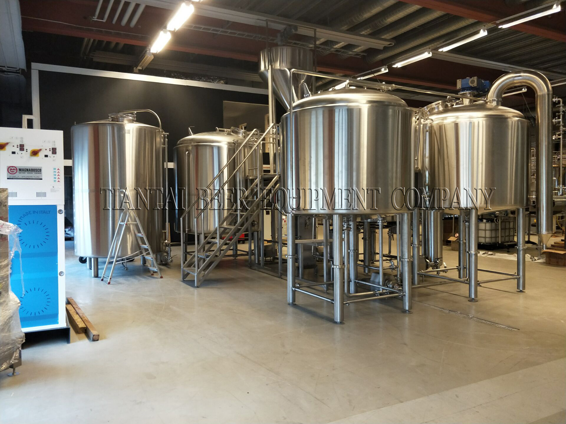 <b>Sweden 2000L brewery system finished installation and start to brewing</b>