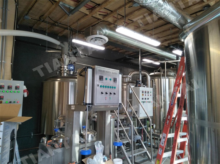 <b>Finished Installation 10BBL Brewery System in Canada</b>