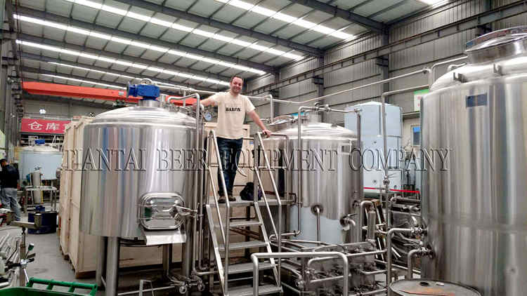 <b>Welcome Chile Customers Inspect 1200L Brewing System</b>