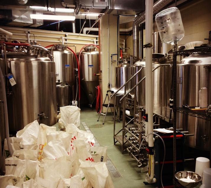 <b>1000L Microbrewery equipment in USA</b>